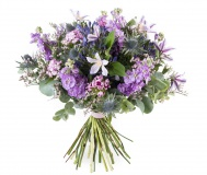 Mix flowers in mauve color with Clematis and Matthiola