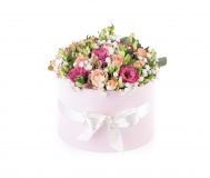 Box with eustoma, alstromerie, gypsophila and rose